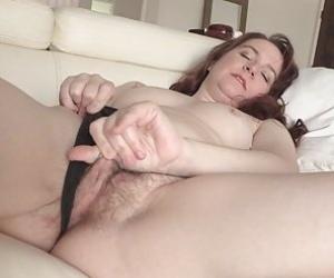 Mom Pussy Videos