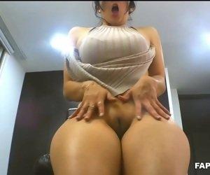 Big Booty Mom Videos